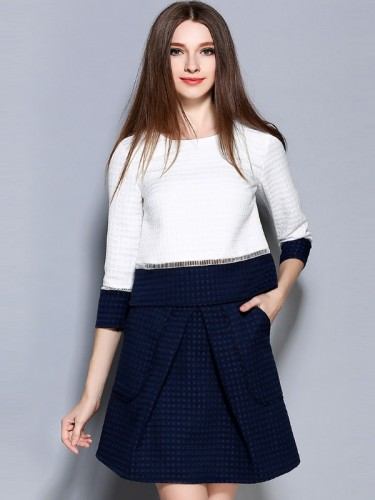 Dviejų dalių kostiumėlis, mėlynas sijonas ir balta palaidinė XS  (VIN1345_1)